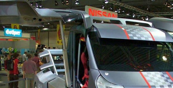 Le fameux Fiat Truckster et ses portes papillon
