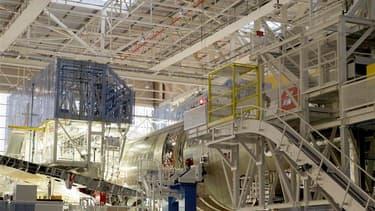 Assemblage d'un Airbus A380 à Toulouse. L'aéronautique est en plein essor en raison de la bonne santé d'Airbus et de ses fournisseurs et de nombreux demandeurs d'emplois du sud-ouest de la France sont tentés de se reconvertir dans ce secteur, considéré co