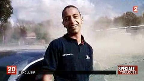 Capture d'une vidéo diffusée par France 2 le 21 mars 2012 montrant Mohamed Merah, qui a abattu au nom du jihad sept personnes avant d'être tué par la police. Le procès de son frère Abdelkader s'ouvre le 2 octobre à Paris