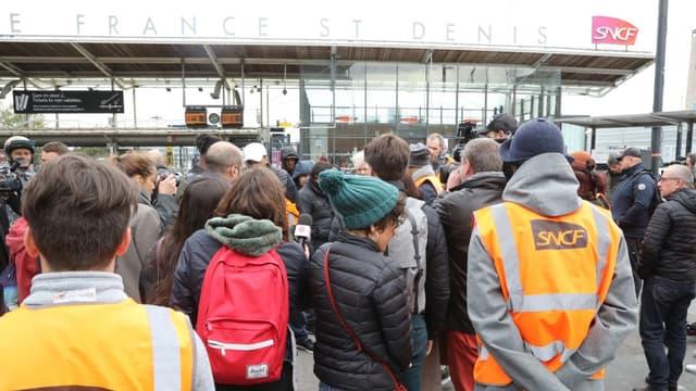 Des agents du technicentre de Châtillon manifeste devant le siège de la SNCF à Saint-Denis, le 29 octobre 2019