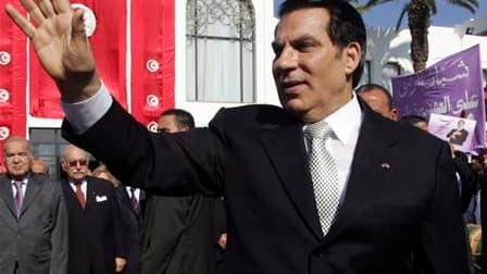 L'ancien président tunisien Zine el Abidine ben Ali et sa famille sont arrivés en Arabie saoudite, où ils resteront pour une durée indéterminée, selon les autorités saoudiennes. /Photo d'archives/REUTERS/Zoubeir Souissi