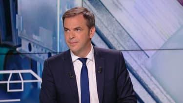 Le ministre de la Santé Olivier Véran était l'invité exceptionnel de BFMTV le lundi 17 mai 2021.