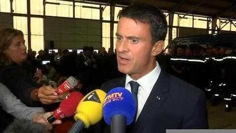 """Calais: Valls accuse Le Pen de """"démagogie, irresponsabilité et de mensonge"""""""