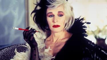 Glenn Close dans le rôle de Cruella, dans le film Les 101 Dalmatiens sorti en 1996.