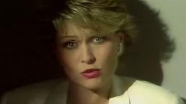 """Jakie Quartz, dans le clip pour son single """"Mise au point"""", en 1983."""