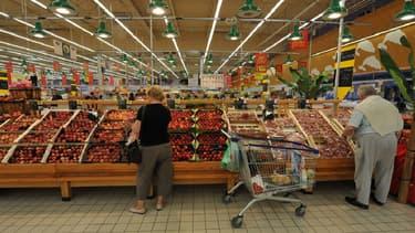 Cette année, les enseignes de la grande distribution se livrent moins bataille sur les prix que l'an dernier.