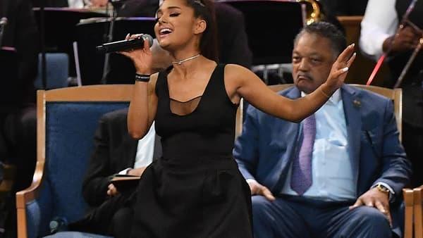 """Ariana Grande a chanté aux funérailles de la """"Reine de la Soul"""", Aretha Franklin, le 31 août 2018."""