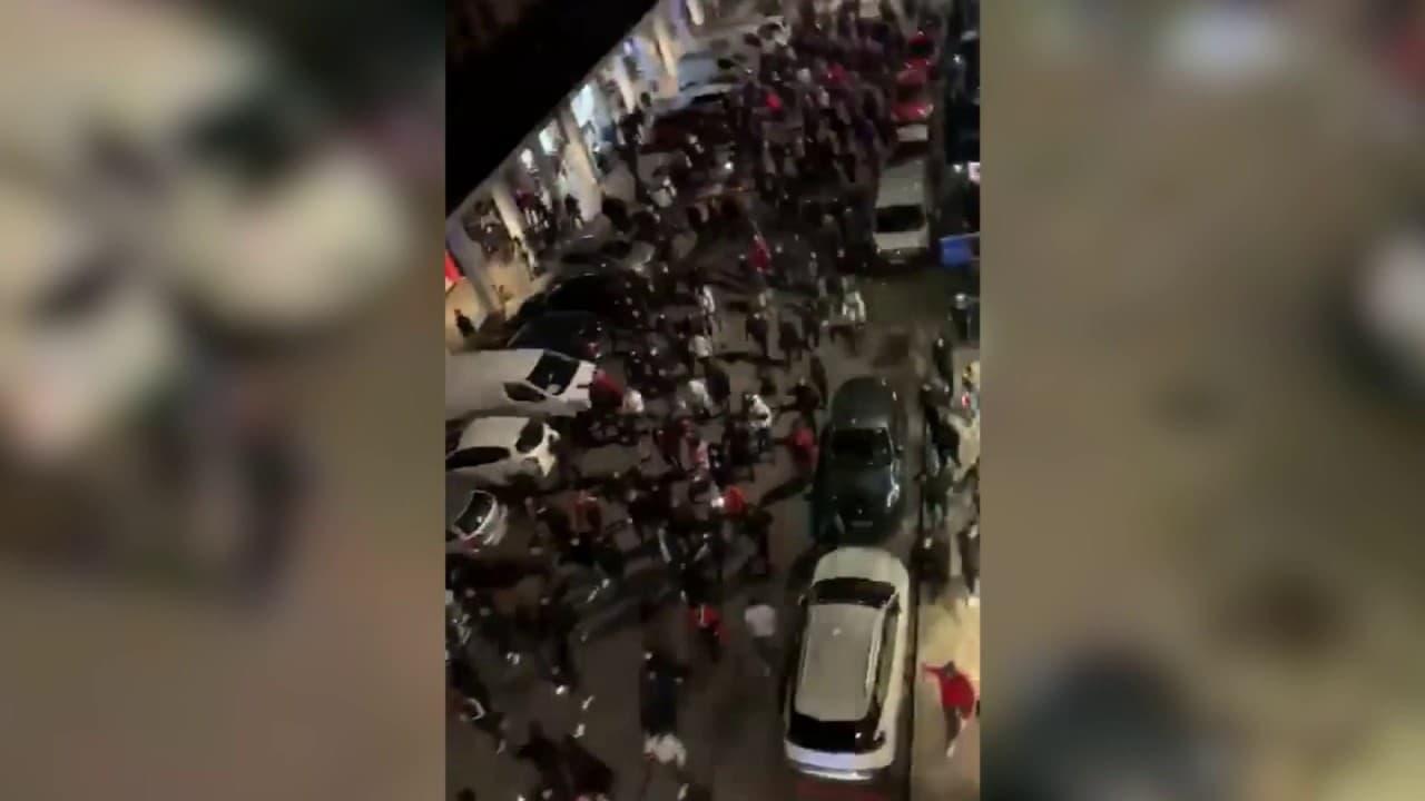 Les images d'une protestation de militants turcs en plein couvre-feu près de Lyon, après une manifestation arménienne
