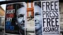Affiche de soutien à Julian Assange, face à l'ambassade équatorienne, à Londres. La Grande-Bretagne est déterminée à extrader Julian Assange vers la Suède et l'a fait clairement savoir à l'Equateur, qui héberge le fondateur de Wikileaks dans son ambassade