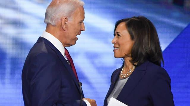 Joe Biden et Kamala Harris lors d'un débat de la primaire démocrate