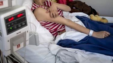 Une personne atteinte du cancer à l'Institut d'hématologie et d'oncologie pédiatrique de Lyon (Photo d'illustration)