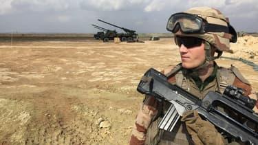 Un soldat français, membre de la coalition internationale contre Daesh en Irak, à Al-Qaim, le 9 février 2019