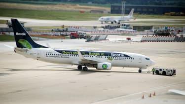 Bostik propose de redécorer entièrement un avion au profit d'une marque