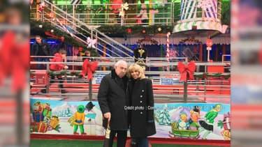 Brigitte Macron aux côtés du forain Marcel Campion au marché de Noël des Tuileries.