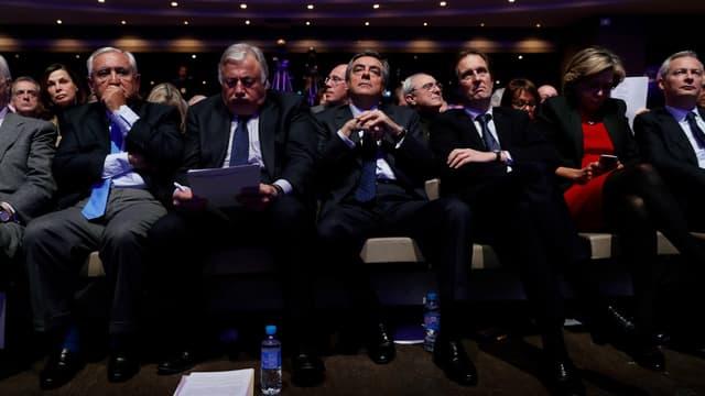 """François Fillon et ses proches lors du Conseil national du parti """"Les Républicains""""."""