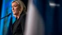 """Marine Le Pen s'est moquée de Nicolas Sarkozy, mais a reconnu que l'affaire des enregistrements était """"très grave""""."""