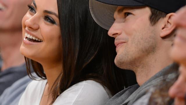 Mila Kunis et Ashton Kutcher, le 12 février 2013.