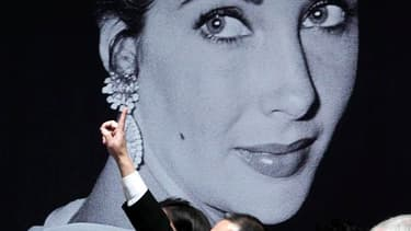 La vente de la collection de bijoux d'Elizabeth Taylor s'est adjugée pour la somme record de 116 millions de dollars, soit plus du double du montant payé jusqu'alors pour une collection privée de joyaux offerte aux enchères. /Photo prise le 13 décembre 20
