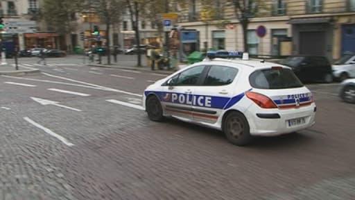 La police peine à mettre la main sur le tireur de Paris, en fuite depuis vendredi.