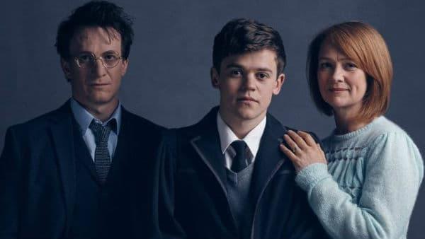 """Harry, Ginny et leur fils dans la pièce de théâtre """"Harry Potter and The Cursed Child"""" à Londres"""