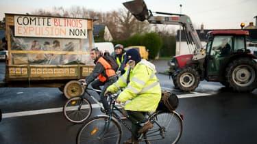 Des milliers de personnes et de nombreux tracteurs convergent vers Nantes pour protester contre le projet d'aéroport.