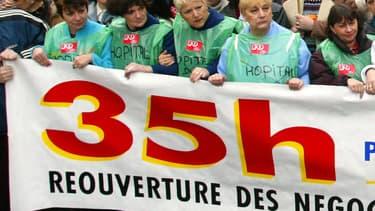 Le sujet des 35 heures est sensible depuis l'acceptation de la loi, il y a 14 ans. Ici, une manifestation d'infirmiers, en 2002.