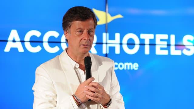 Le défi d'Accor n'est plus un défi d'hôtelier, ni même de distribution, mais un défi de présence globale sur tous les secteurs adjacents à l'hôtellerie ou pouvant concurrencer son métier d'hôtelier.