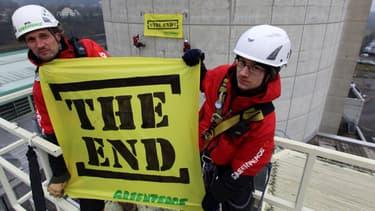 Les militants de Greenpeace ont pénétré dans la centrale suisse de Beznau, le 5 mars 2014.