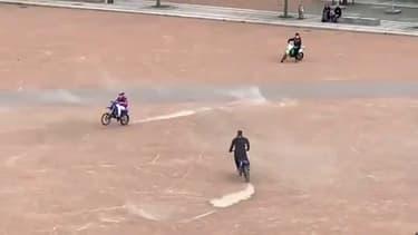 Un rodéo à moto place Bellecour le 21 avril dernier (PHOTO D'ILLUSTRATION)