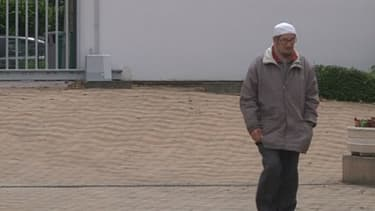 A la mosquée de Lyon, les autorités musulmanes rejettent la stigmatisation après l'arrestation d'un converti à l'islam, à l'origine de l'agression d'un militaire.