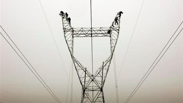 Un cable haute tension-illustration