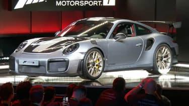 La seconde génération de la 911 GT2 RS a été dévoilée par Porsche à Los Angeles, lors du salon du jeu vidéo E3.