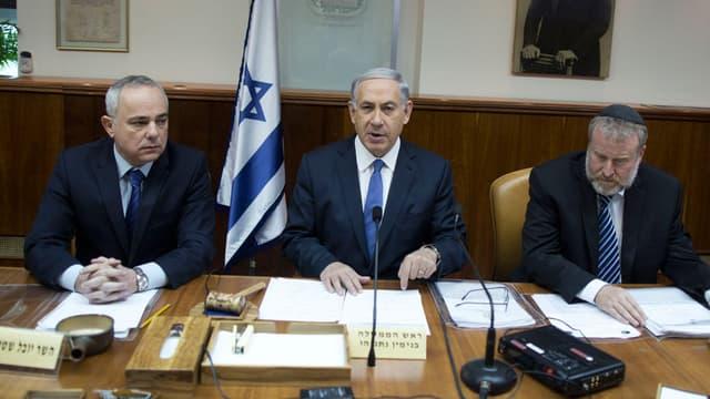 Benjamin Netanyahu a appelé dimanche les juifs d'Europe à rejoindre Israël.