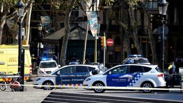 Voitures de police à Barcelone.