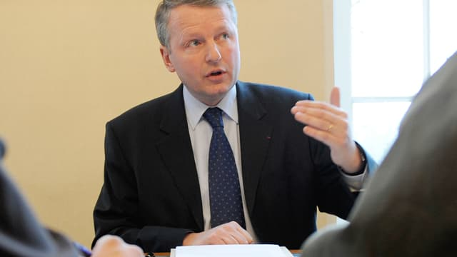 Rémy Heitz, ancien procureur de Metz devant des journalistes en janvier 2010.
