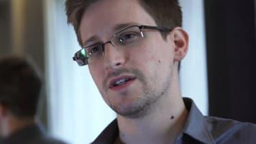 Edward Snowden a 29 ans et travaille pour un sous-traitant américain de la défense.
