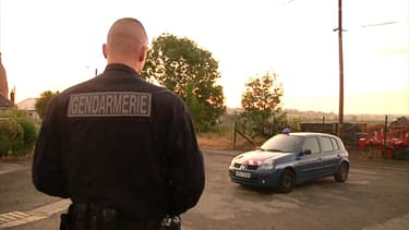 Les gendarmes sur les lieux du drame, samedi à Walincourt-Selvigny.