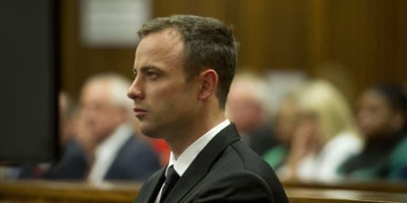 Oscar Pistorius devant la cour de Pretoria en Afrique du Sud.
