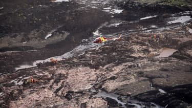 Vue aérienne du barrage après sa rupture, vendredi 25 janvier, au Brésil