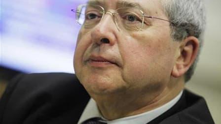 Le rapporteur public devant le Conseil d'Etat n'a pas réclamé l'inéligibilité de Jean-Paul Huchon dans le cadre d'un litige sur les comptes de sa campagne régionale, selon l'entourage du président PS de la région Ile-de-France. Il a en revanche recommandé