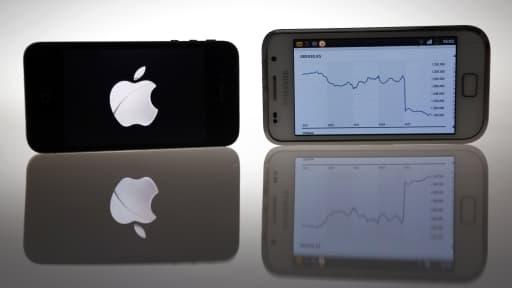 Apple et Samsung sont engagés dans une guerre juridique dans laquelle ils s'accusent mutuellement de viol de brevets.