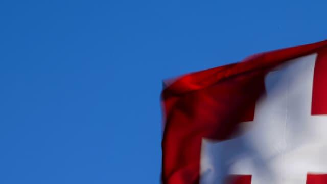 Les Suisses ont dit oui à une plus grande surveillance de la part de leurs services secrets.
