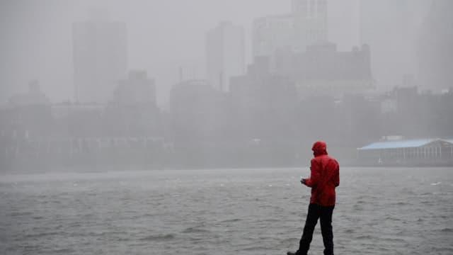 La tempête Isaias s'est abattue sur la ville de New York, le 4 août 2020.