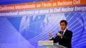 A Paris, Nicolas Sarkozy a prononcé lundi une vibrante défense du développement du nucléaire civil dans le monde, qui a souvent résonné comme un plaidoyer pour la filière nucléaire française en pleine réflexion sur son avenir. /Photo prise le 8 mars 2010/
