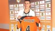 Débarqué du FC Tours, le jeune défenseur Laurent Koscielny est le joueur à suivre du FC Lorient cette saison.