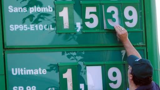 Le prix de l'essence augmenterait de plus de sept centimes dans trois ans.