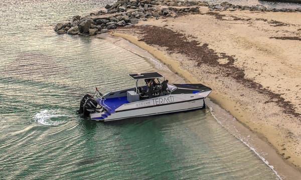 Grâce à leur technologie Quadri, les navires Tera-4 peuvent accoster sur les plages.