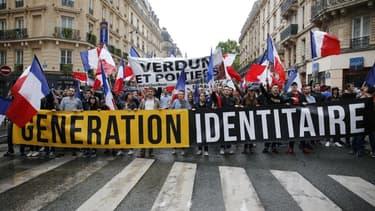 Génération Identitaire lors d'une manifestation anti-migrants le 28 mai 2016, à Paris - MATTHIEU ALEXANDRE / AFP