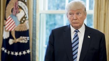 "Donald Trump prône le ""acheter américain, embaucher américain""."