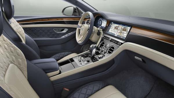 """""""Bentley est à l'avant-garde du Grand Tourisme de luxe depuis près de cent ans"""", voilà le cahier des charges exprimé par Wolfgang Dürheimer, le président directeur général du constructeur."""